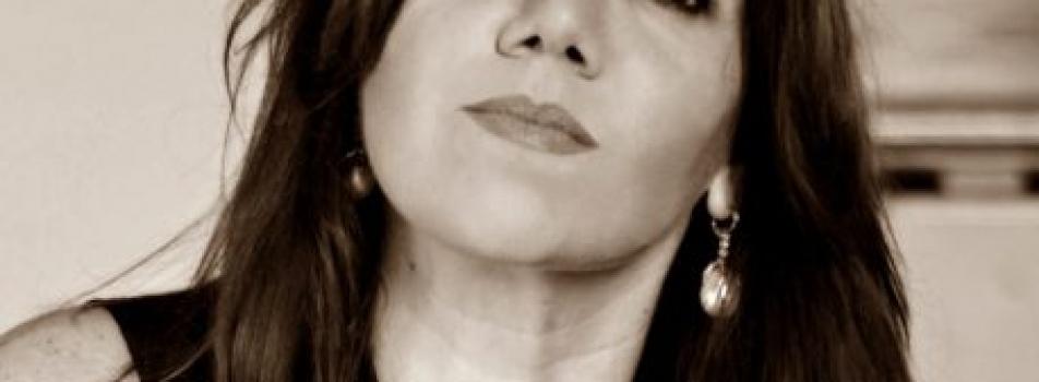 """Enevento Zoom: """" Enrica Simonetti intervisterà la scrittrice Gabriella GENISI"""""""